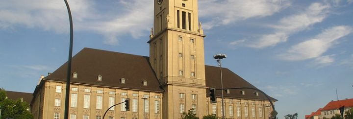 800px-2006-08-07_Rathaus_Schoeneberg